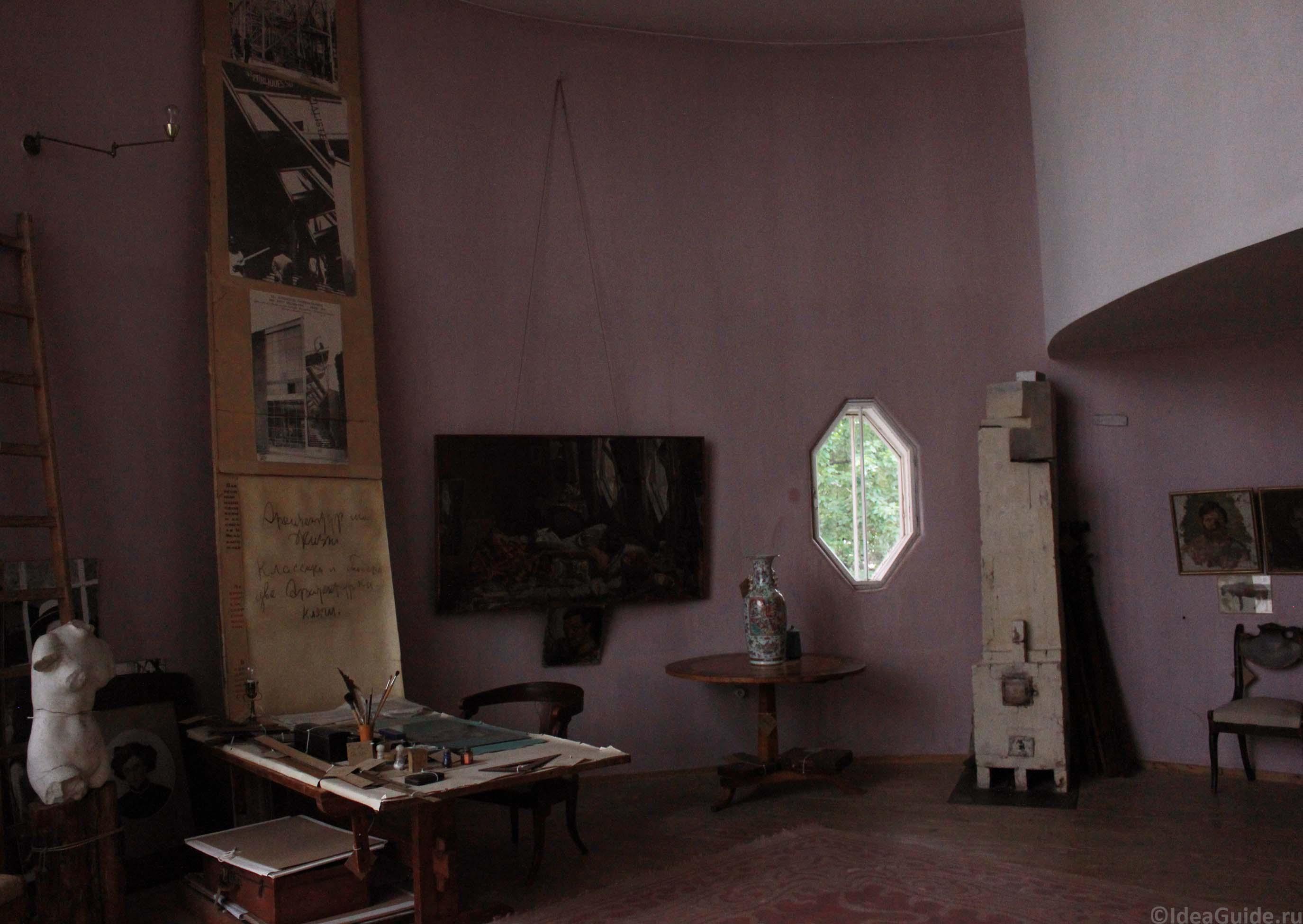 La maison atelier de constantin melnikov sur l 39 arbat la for Atelier de la maison