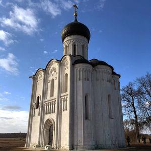Église de l'Intercession-de-la-Vierge sur la Nerl à Bogolioubovo