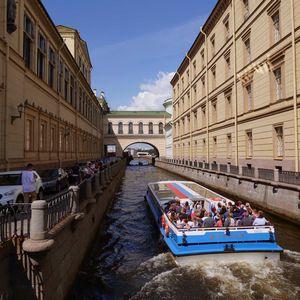 Balade sur les canaux et rivières de Saint-Pétersbourg