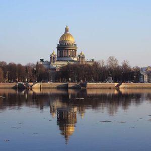 la Cathédrale Saint-Isaac de Saint-Pétersbourg