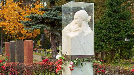 la tombe de l'épouse de Staline Nadejda Allilouïeva, la visite guidée du cimetière Novodievitchi