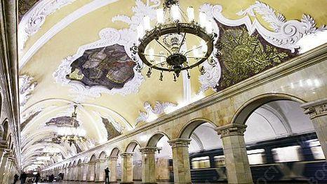 Станция Комсомольская, Экскурсия по Московскому метро на французском, английском, испанском, португальском, немецком языке.