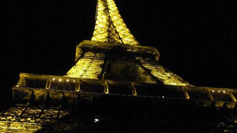 Эйфелева башня - ночное освещение